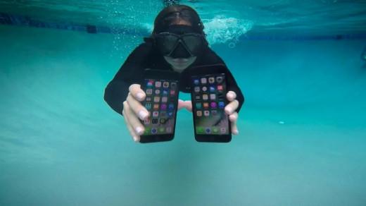 iPhone под водой