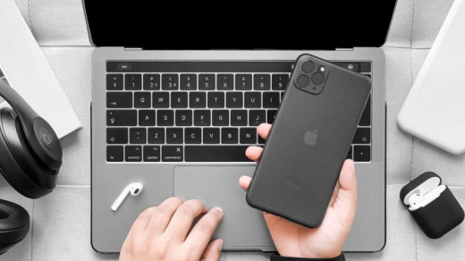 iPhone 11 в чехле