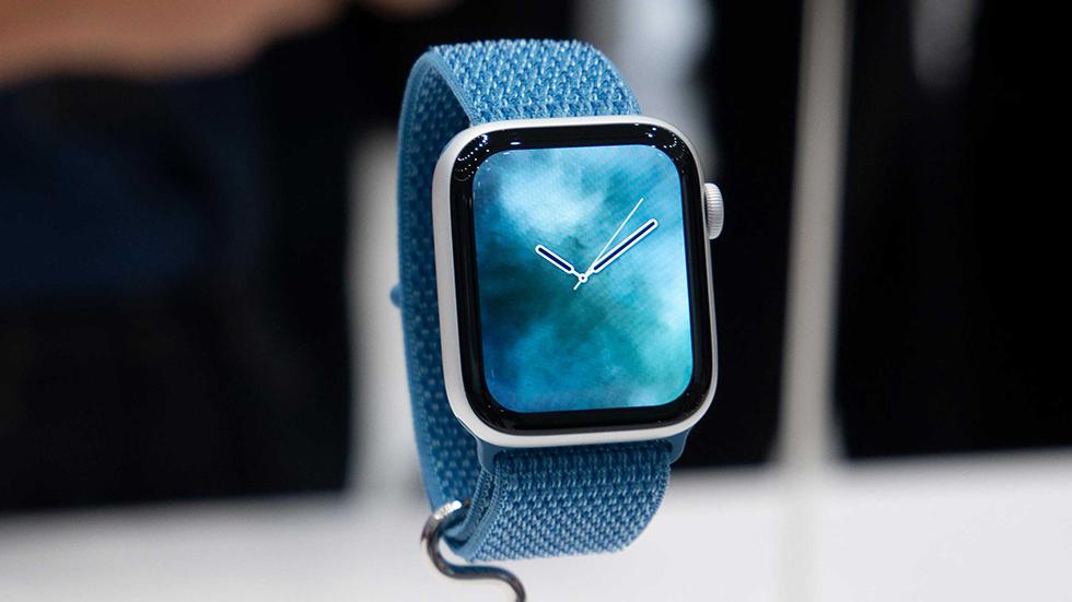 Apple Watch спасли сломавшего спину мужчину