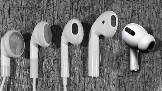 Фото дня: эволюция наушников Apple