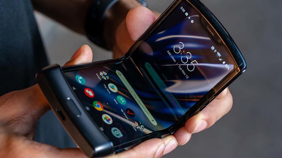 Возвращение легенды. Motorola RAZR — складной смартфон, который все хотели