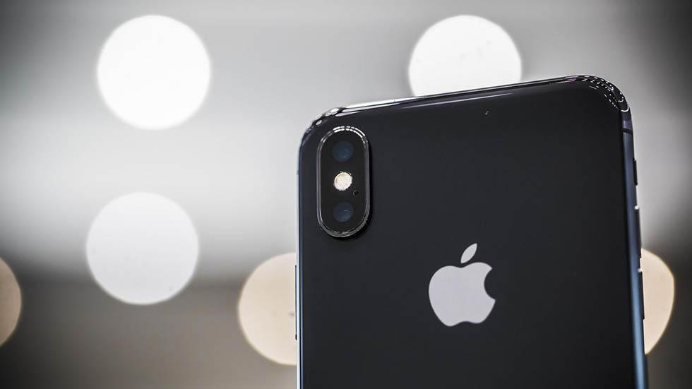 Владельцы iPhone Xпожаловались надеградацию аккумулятора