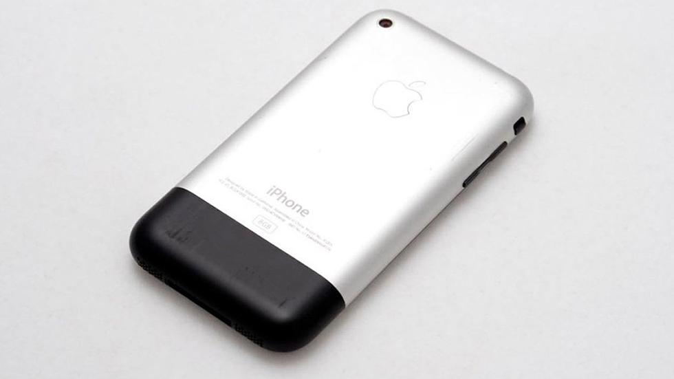 13лет назад Стив Джобс представил первый iPhone. Итогда мир изменился
