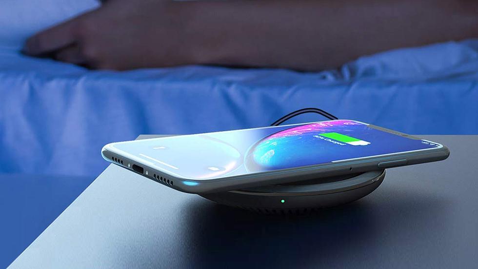 В каких iPhone есть беспроводная зарядка и стоит ли ей пользоваться