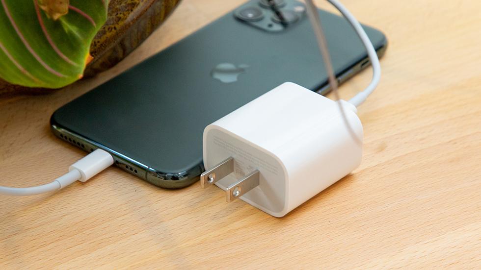 Мощность быстрой зарядки для iPhone 13 составит 25 Вт