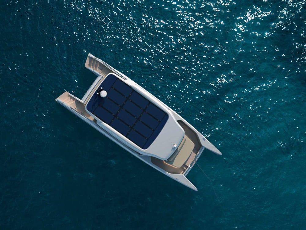 В Голландии показали новую электрическую яхту, но на ней далеко не уплывёшь