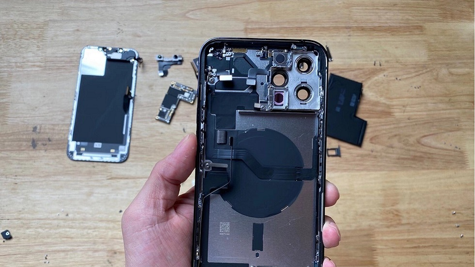 Какой iPhone 12 Pro Max внутри? Показываем