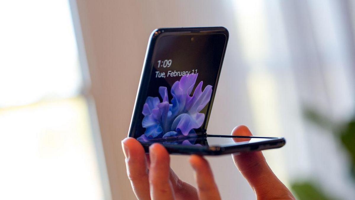 Складные смартфоны Samsung ломаются на морозе