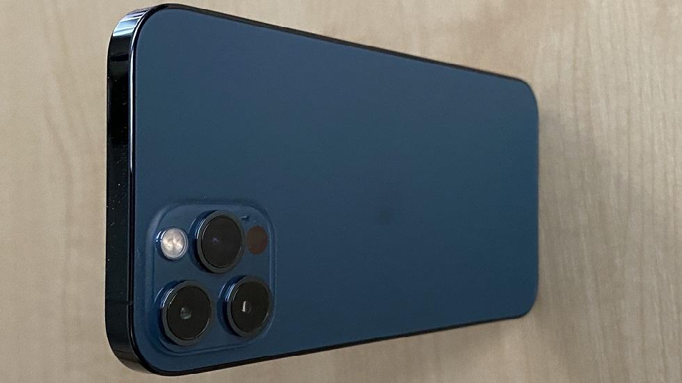 Павел Дуров назвал iPhone 12 Pro уродливым и устаревшим