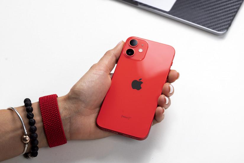 Владельцы iPhone 12 и 12 Pro жалуются на проблемы с отправкой SMS-сообщений и уведомлений