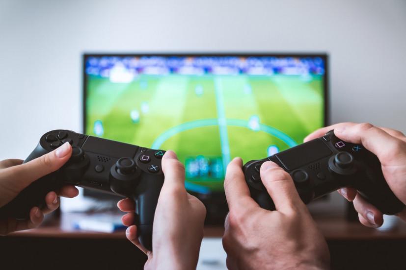 PS5 слишком дорогая: что выбрать PS4 Slim или PS4 Pro?