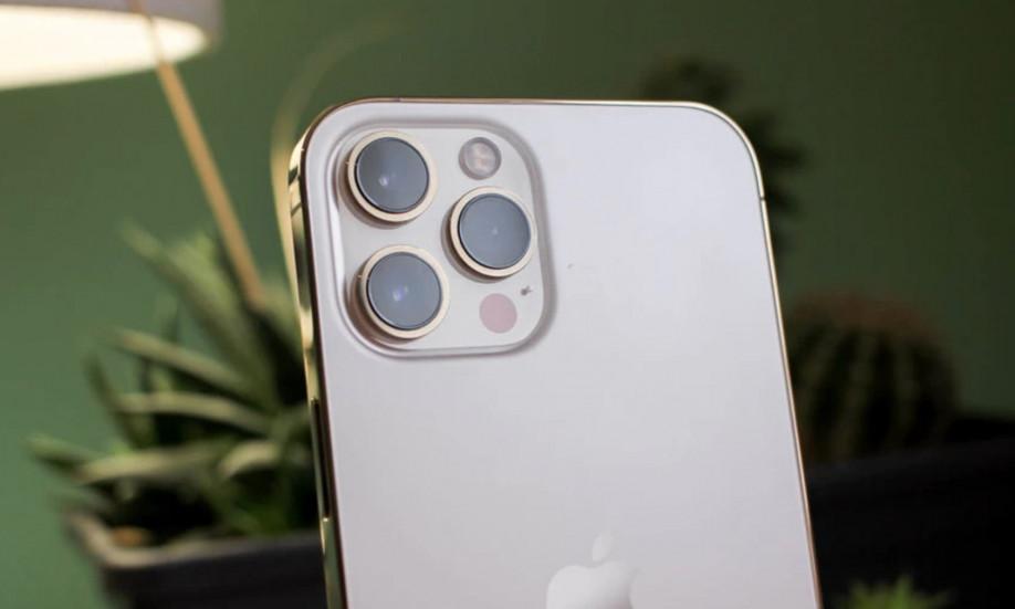 iPhone 12 Pro Max обошел всех – лучшие продажи за последние три года