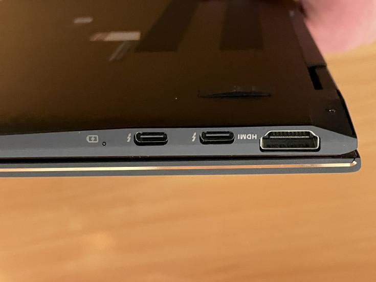 Asus ZenBook Flip UX371E