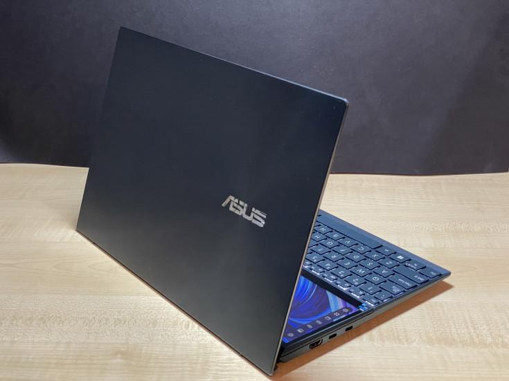 Стильный ASUS ZenBook Duo UX482E: 2 экрана, стилус и бесконечное удобство