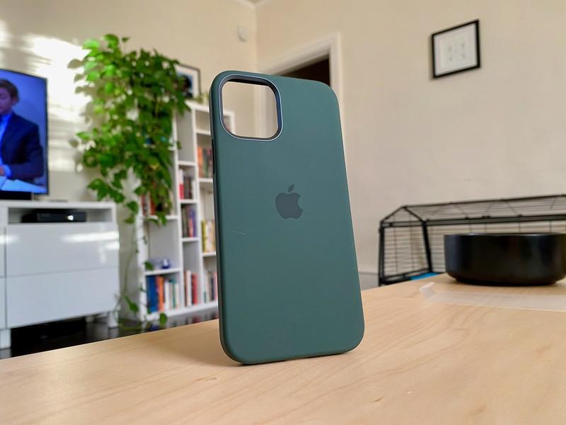 силиконовый чехол для iphone 12