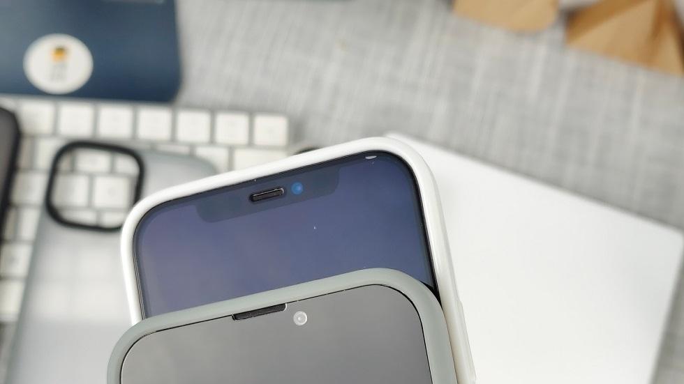 iPhone 13 сравнили с iPhone 12 на фото — челка и правда меньше, но фанаты Apple не рады