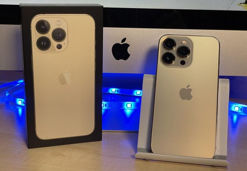 Названа причина бликов на ночных фото на iPhone 13, 12, 11 — все дело в сапфировом стекле